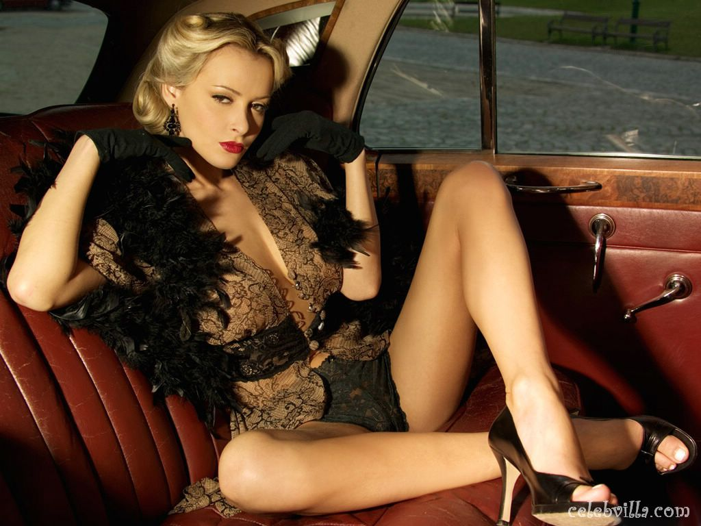 170 hot girls and cars wallpapers 122