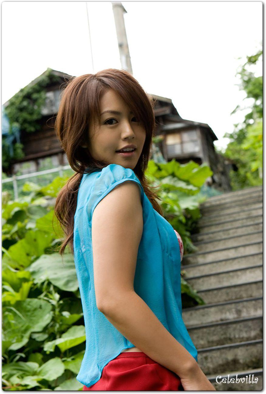 Sayaka Isoyama Nude Photos 30