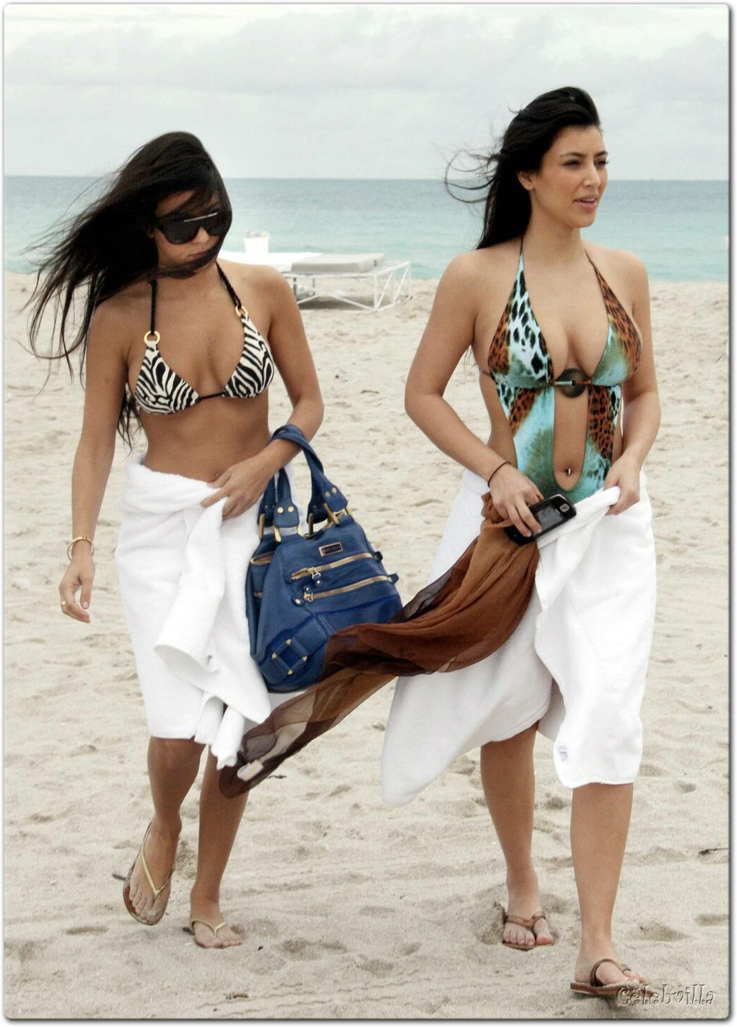 Kim Kardashian in Miami Beach with her Sister 23